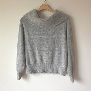 Soft and Cozy Turtleneck Sweater /